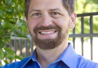 Dr. Larsen Teaches AcuGraph Seminar Training in Europe